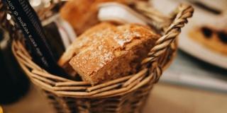 «Не хлебом единым…». Москвичи о практике покупки хлебобулочных изделий