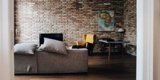 Петербуржцы и москвичи рассказали о купленных за последние 5 лет квартирах, домах и земельных участках